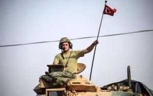 turk-tanklari-siniri-gecti-56129-2g